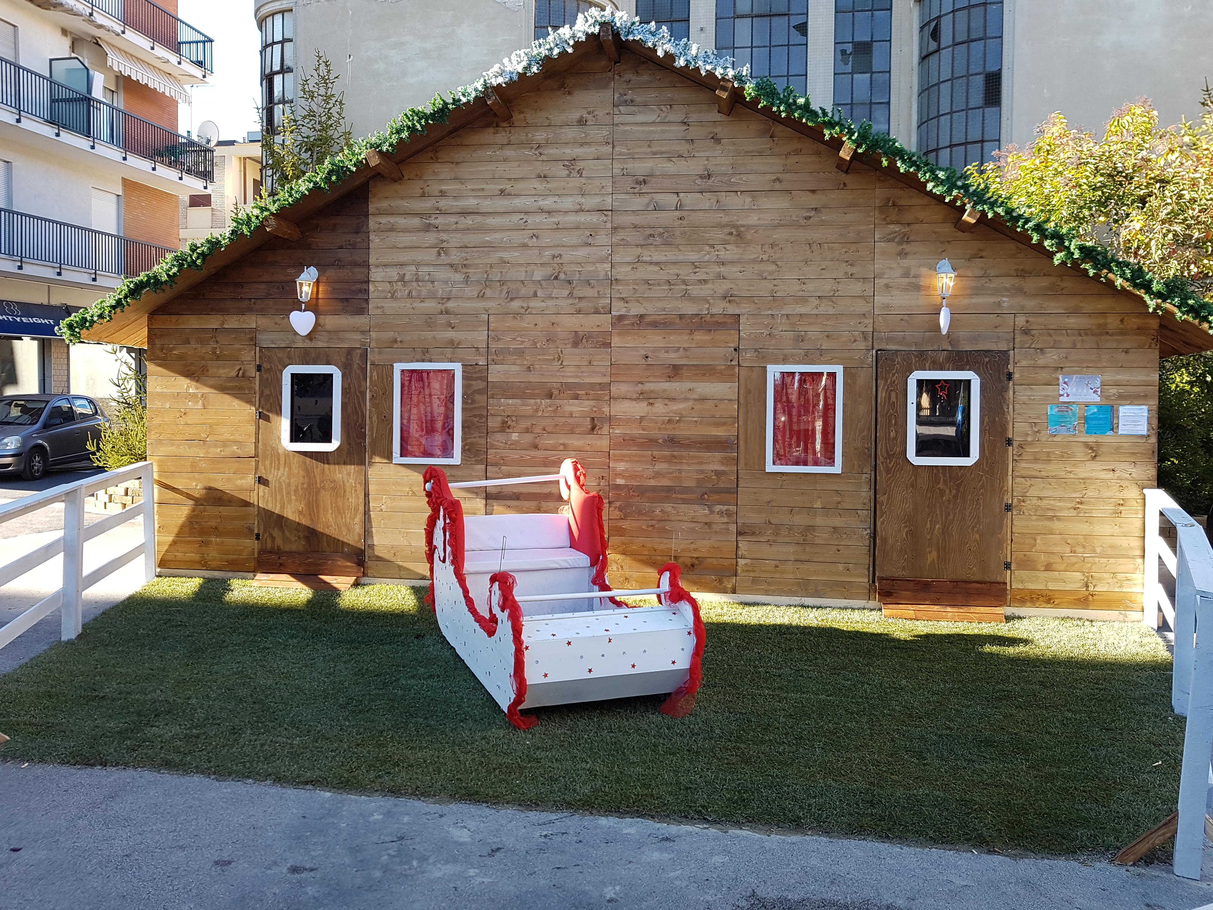 Casetta Di Natale Gonfiabile : Casa di babbo natale